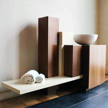 Mobilier baie din lemn MBE38